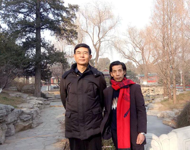 """邵斌老师和""""2015年全国诗书画家创作年会"""" 书法类特等奖得主、毛体书法家河山"""