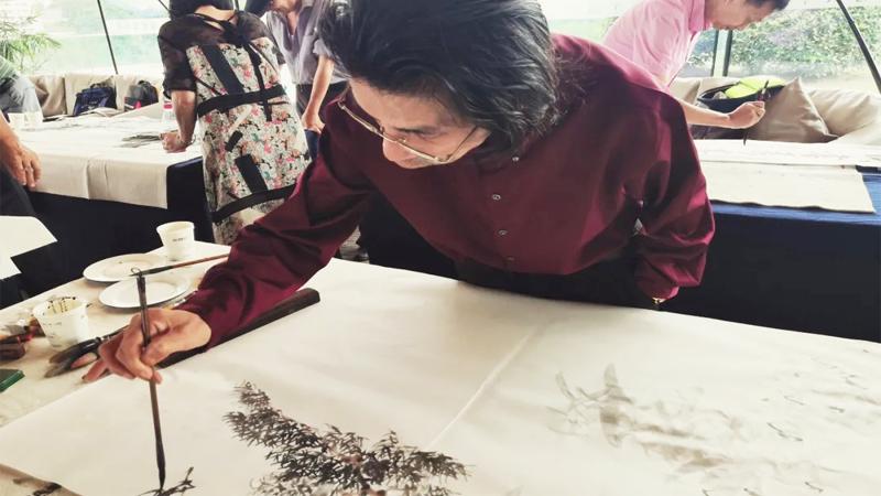 国画名家邵斌参加杭州、黄山两地书画名家交流笔会